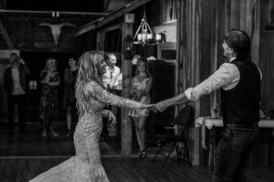 wedding-barn-dance